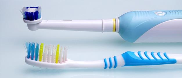 Sự khác biệt giữa chải răng bằng máy và chải răng bằng tay